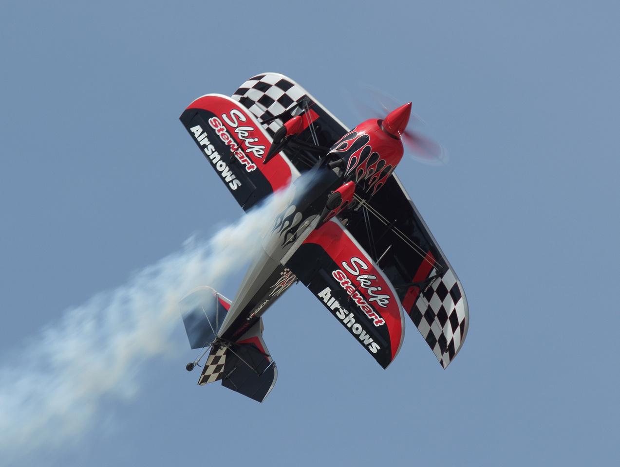 IMAGE: http://flightlinephotos.zenfolio.com/img/s3/v45/p1953114980-6.jpg